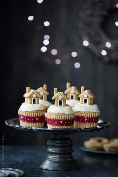 21 Creative Christmas Cupcake Ideas Spaceships And Laser