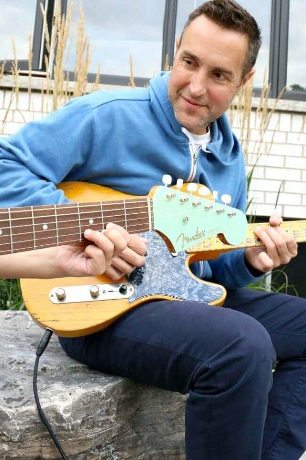 Kids Learn Guitar