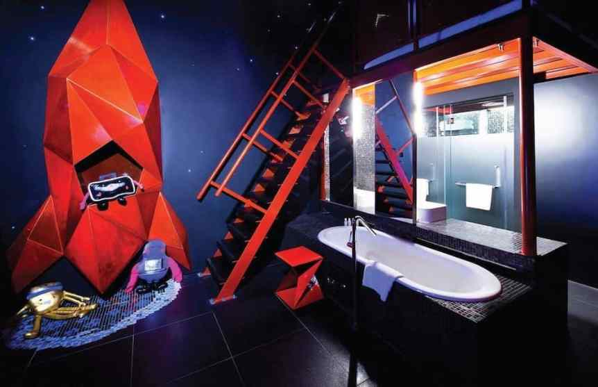 Space Themed Hotels: The Wanderlust Hotel