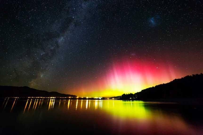 Aurora Over Lake Hawea, New Zealand - Paul Stewart via Flickr