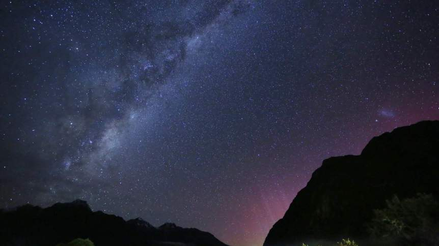 Aurora in New Zealand - Gordon Cheung via Flickr