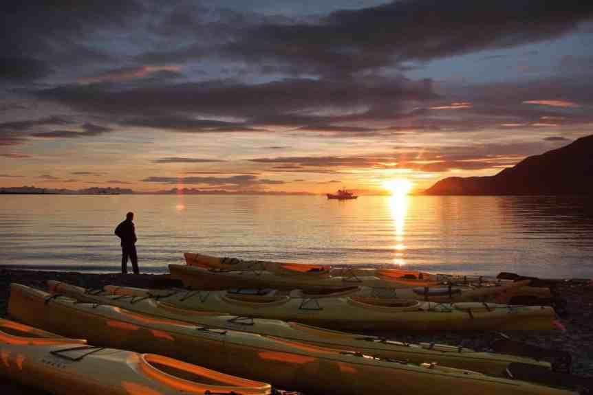 Midnight Sun in Longyearbyen - Copyright Frank Andreassen / www.nordnorge.com