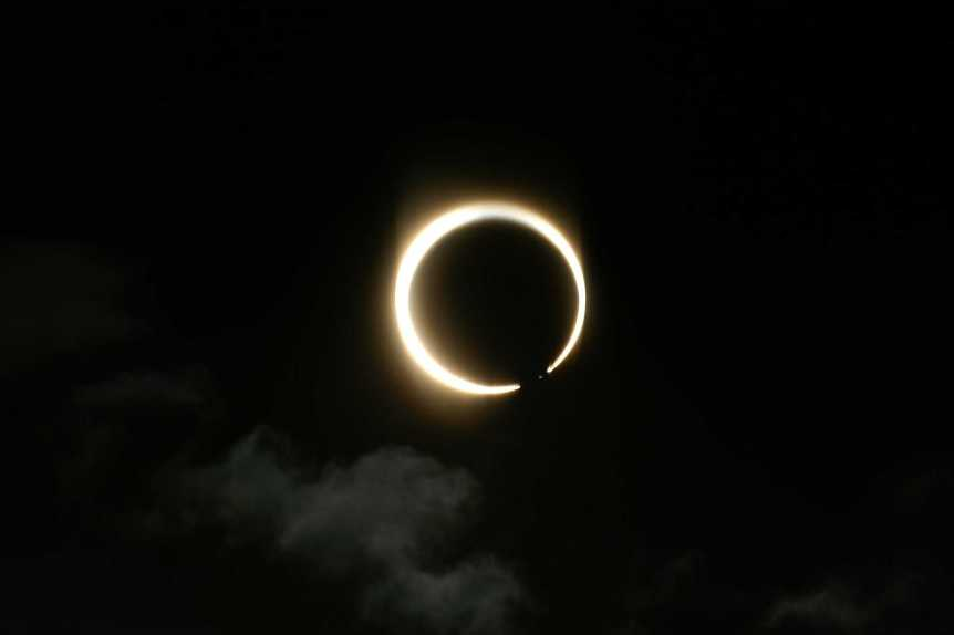 Annular Solar Eclipse - Hideyuki KAMON via Flickr