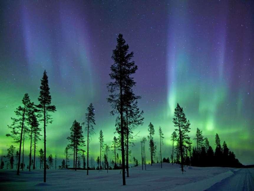 Northern Lights in Finland - Alan & Flora Botting via Flickr