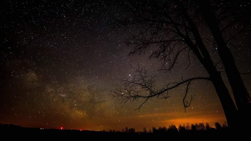 Night Sky in February - Close Approach of Saturn & Moon - Ryan Hallock via Flickr