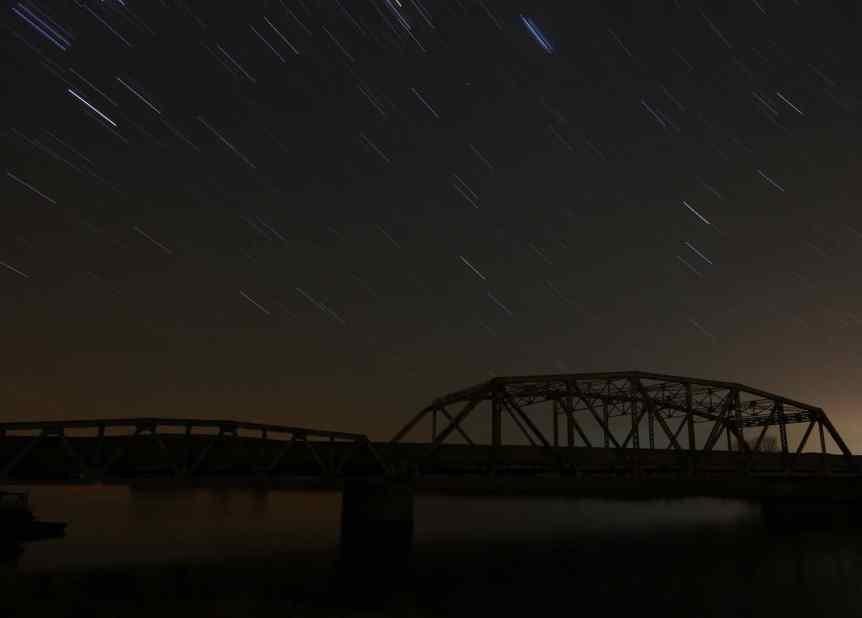 Night Sky Events - Leonids - Perry McKenna via Flickr