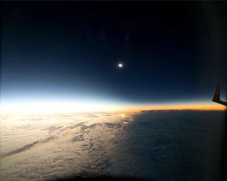 Solar Eclipse Flight - G. Schneider and G. Simms