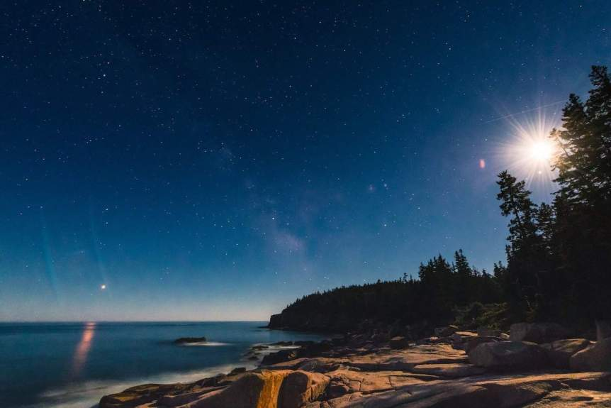 April Night Sky - Mars & Moon - Eric Kilby via Flickr