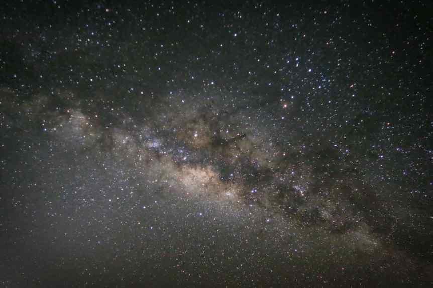 Stargazing on Maui - Robert Linsdell via Flickr