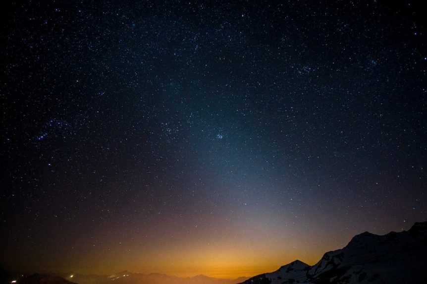 Night Sky in May - Zodiacal Light - Willi Winzig via Flickr