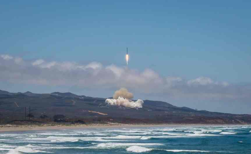 SpaceX Space Tourism Company - Vandenberg Launch