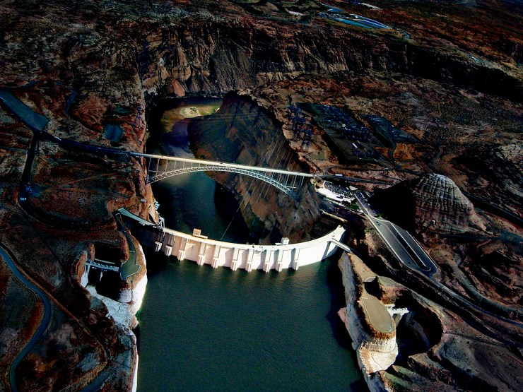 ERV scan of Glen_Canyon_Dam_Lake_Powell,_Arizona