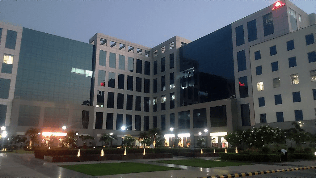 commercial property for lease in delhi by dlf real estate builders