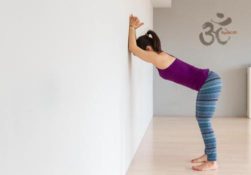 放鬆肩頸的瑜珈自主練習