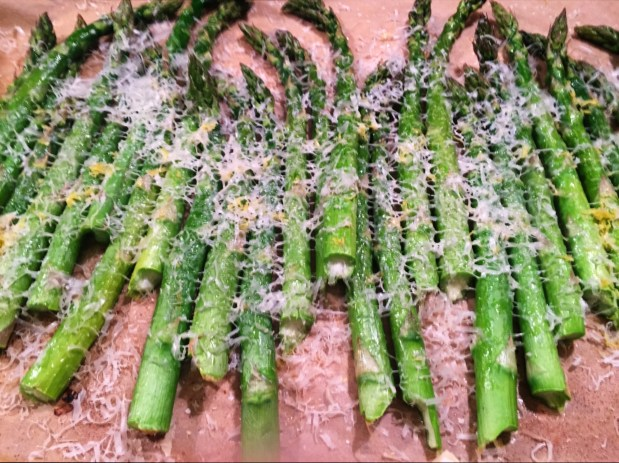 February in the Kitchen – Roast Asparagus