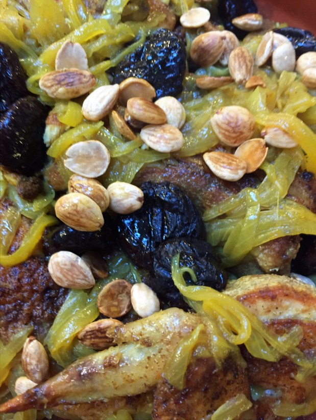 March in the Kitchen – Chicken Tagine with Prunes and Almonds in the Style of the Rif Mountains