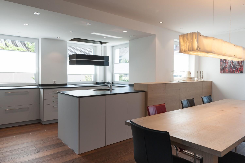 k chen versenkbare t ren glasschiebet r k che. Black Bedroom Furniture Sets. Home Design Ideas