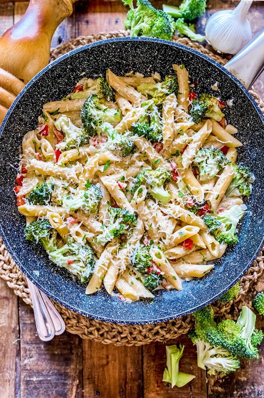 One-Pan Creamy Broccoli Pasta