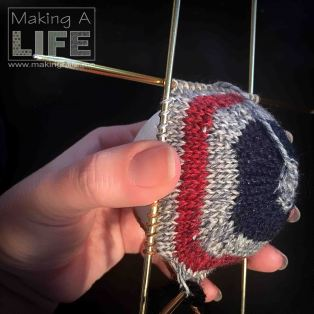 christmas-balls-4b_making-a-life