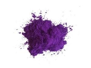 violetiniai holi milteliai