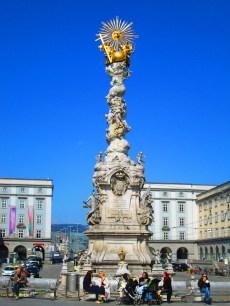 Dreifaltigkeitssäule (= Columna de la Trinidad), en el Hauptplatz