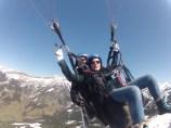 Esta es la cara que se me queda al intentar manejar el paracaídas yo sola.