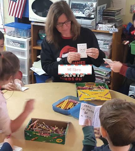 A picture of Eleonora Alicia teaching children spanish in class