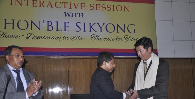 ... Jefe del estado de Meghalaya honra al Sikyong como invitado del estado