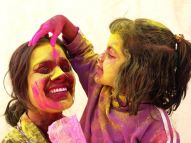 02470c60-59f1-485f-8ab2-764c995d4427_05_enjoying-the-Holi-festival