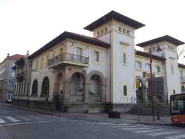 Correos (Post office)