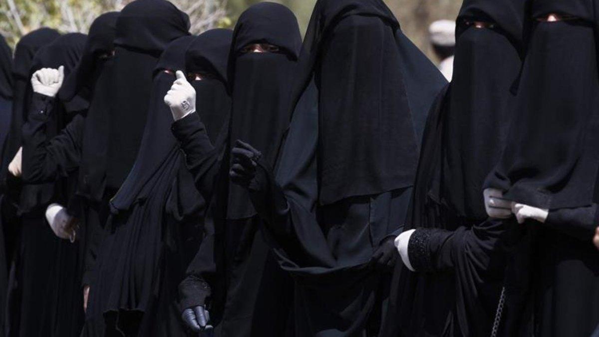 Indignante foto de fin de curso en Yemen: ¿dónde están las mujeres?