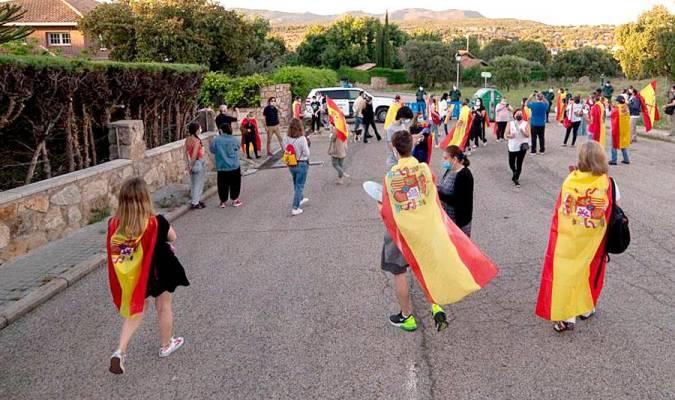 Detenido el presidente de una asociación antifeminista por intentar agredir a un guardia civil frente a la casa de Iglesias y Montero