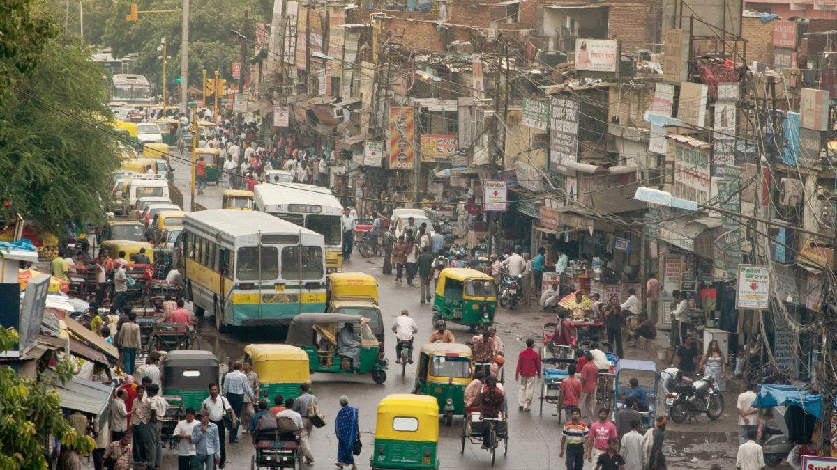 Una misteriosa enfermedad en India afecta a 500 personas en cuatro días