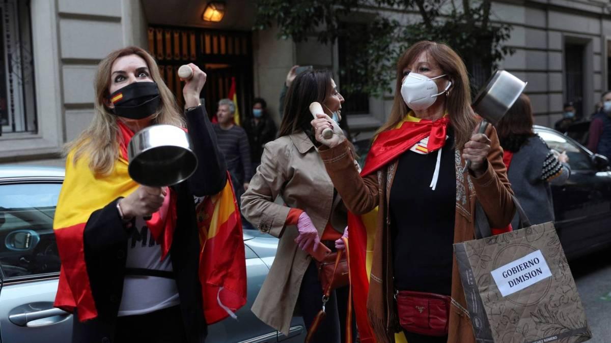 «Libertad, libertad»: La mayoría de los contagios por coronavirus son ahora en los barrios más ricos
