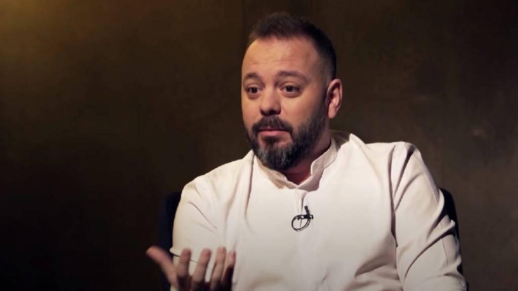 Imagen de la entrevista a Antonio Maestre en Otra Vuelta de Tuerka, con Pablo Iglesias. Créditos: Publico.es