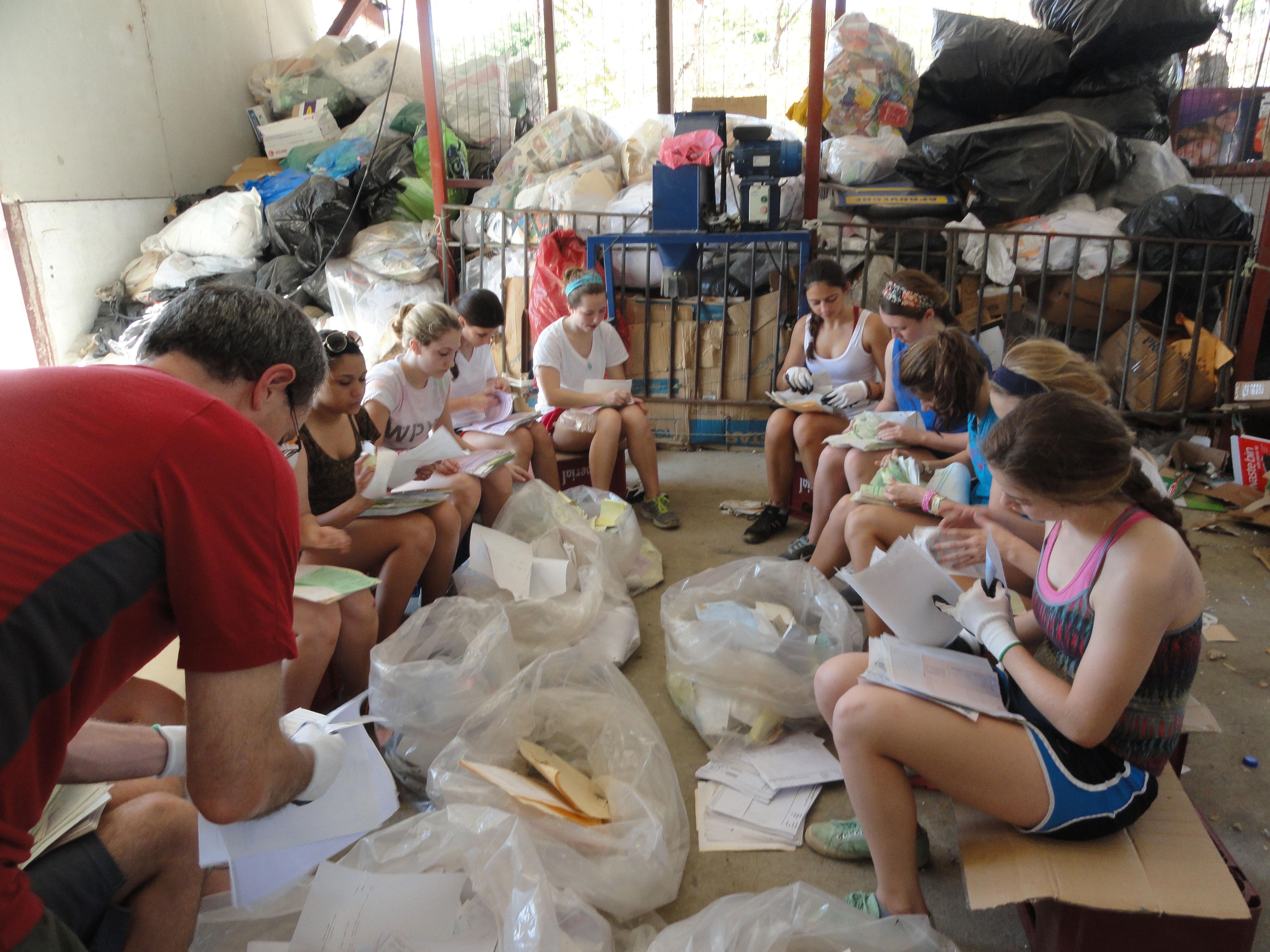 Spanish Language Schools Volunteer