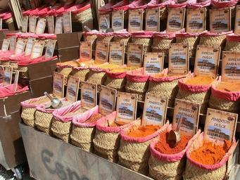 spices_market_granada_spain