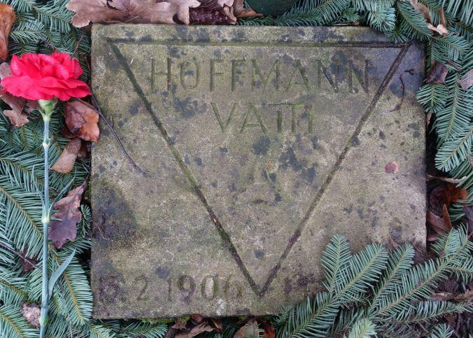 Erich 'Vatti' Hoffmann's gravestone. Photo: René Seneko, 2020