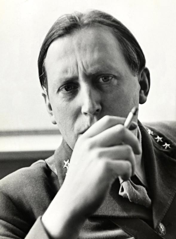Portræt af den norske forfatter Nordahl Grieg, ca. 1943