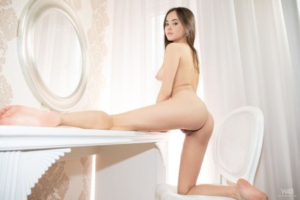 Li Moon - Watch 4 Beauty - 2