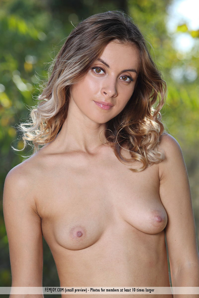 Benita B - Outside - Femjoy - 12