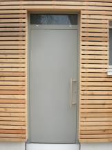 Lärche Holzverkleidung auf Außenwanddämmung Fenster + Haustür Liefern und Montieren