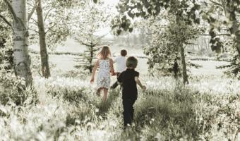 Geld sparen mit Kindern: so geht's!