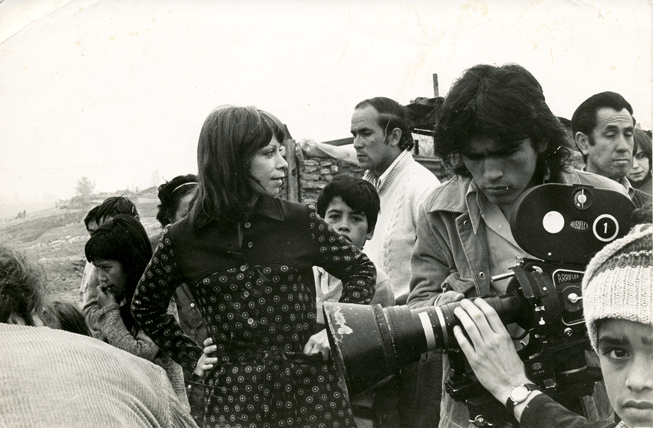 In 1960s Chile, Isabel Allende was an established journalist. In leaving this life behind.