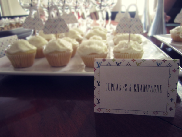 Cupcakes + Champagne