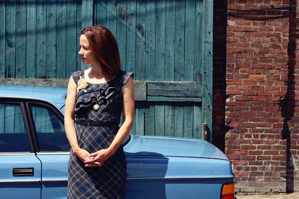 Lady Blue Volvo // photoshoot