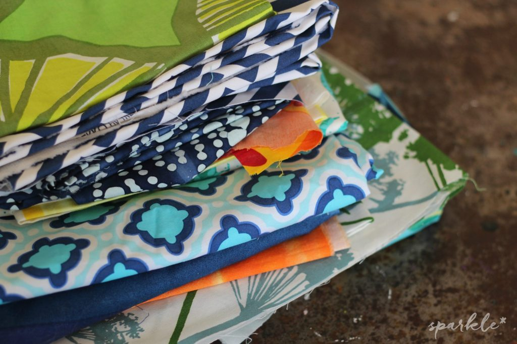 It's time to start using up that fabric stash! These Mini Fabric Covered Notebooks are easy to make, cute and completely useful!