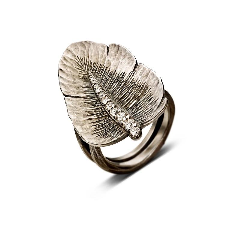 Alexandra Hart - Silver Leaf Ring with Diamond Stem