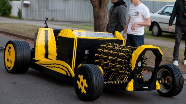 Super-Awesome-Micro-Project-Lego-Car-10