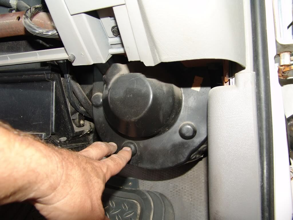 Nissan Maxima Power Steering Hose On 2003 Tahoe Knock Sensor Wiring